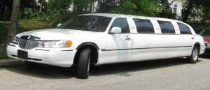 98-02_Lincoln_Town_Car_limousine